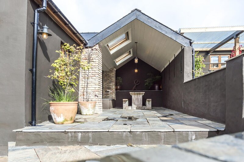 Foxglove - Luxurious Barn Conversion - Blossom  Farm, holiday rental in Portfieldgate