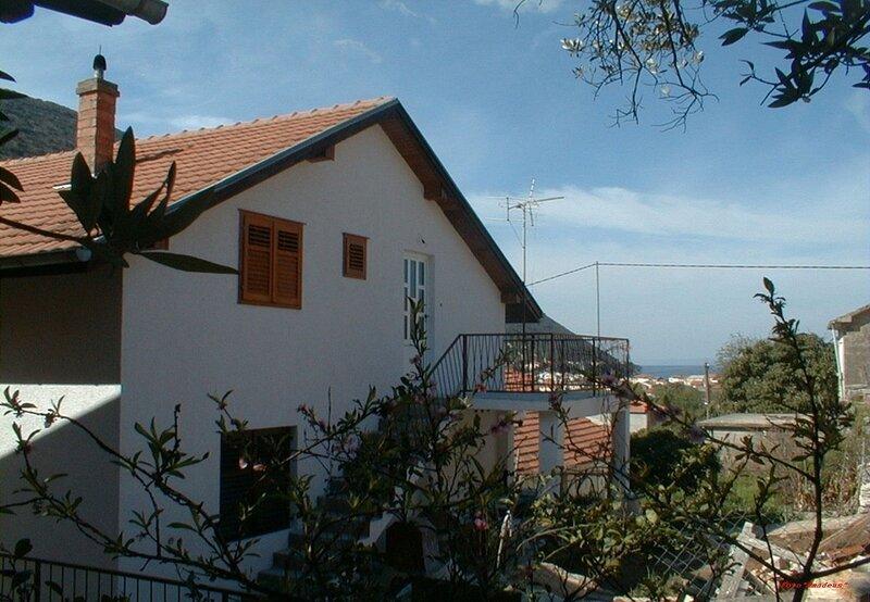 Vido - 150 m from beach: A2(9) - Trpanj, casa vacanza a Oskorusno
