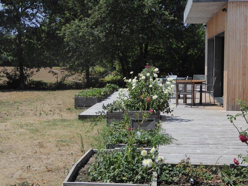 Villa de vignes, Ferienwohnung in Saint-Michel-Escalus