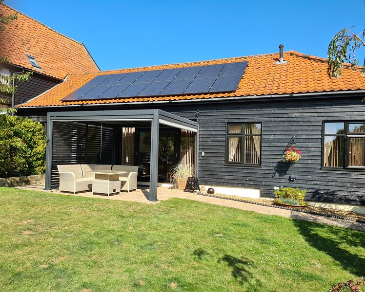 Owl Barn, holiday rental in Thurton