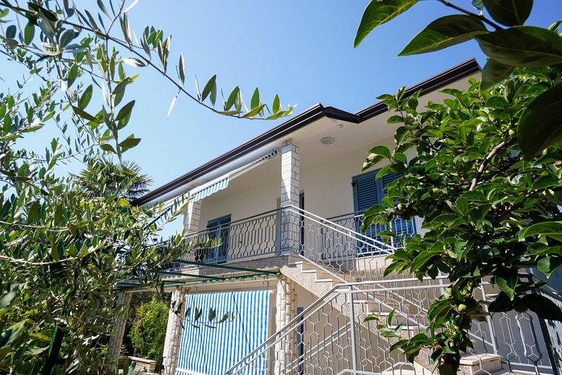 Apartment Nino, location de vacances à Basanija