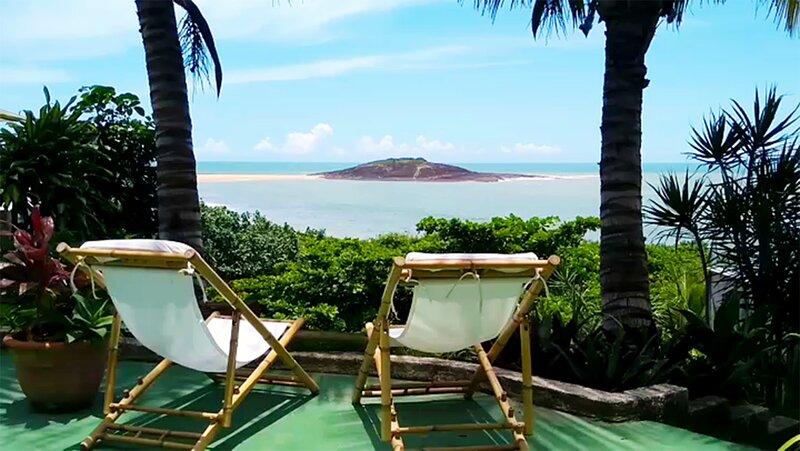 Casa na praia com panorama único fantástico, holiday rental in Meaipe