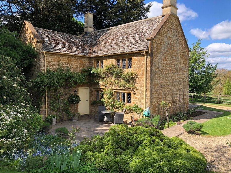 Cotswold Country Cottage nr. Soho Farmhouse, casa vacanza a Great Tew
