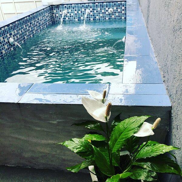 Sobrado com piscina, vacation rental in Caraguatatuba