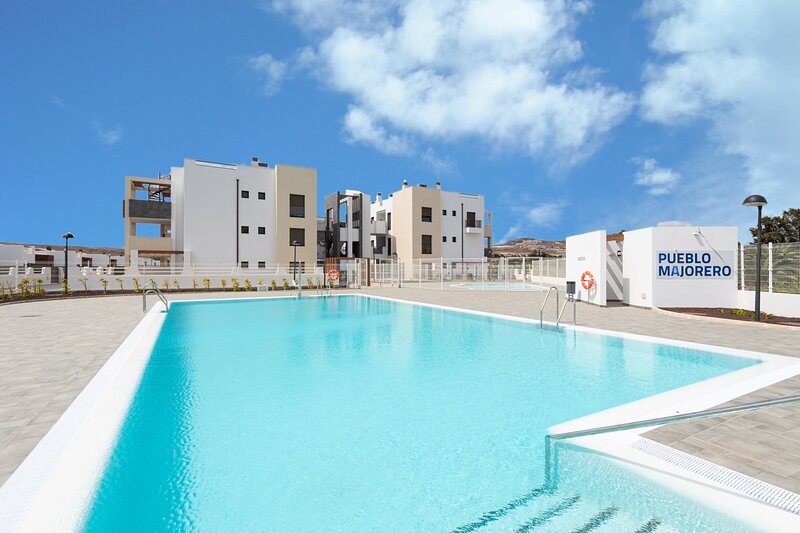 Apartment in Luxury Residential with pool and terrace, location de vacances à Pozo Negro