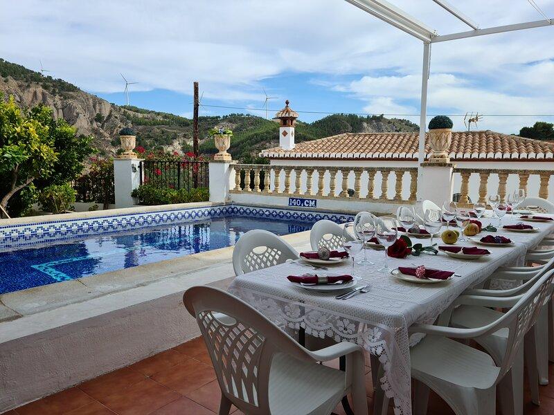 Big villa with swimming-pool & Wifi, vacation rental in Villamena