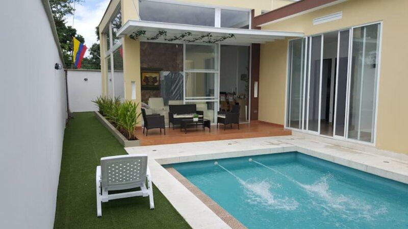 Casa campestre moderna a 10 minutos de Villavicencio en contacto con  naturaleza, holiday rental in Cumaral