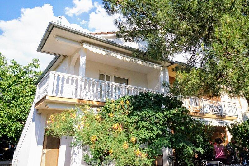 Apartment Cirila 1, location de vacances à Basanija