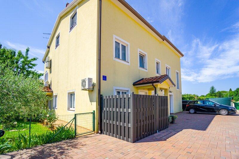 Apartment Bozica 1, holiday rental in Sveta Marija Na Krasu