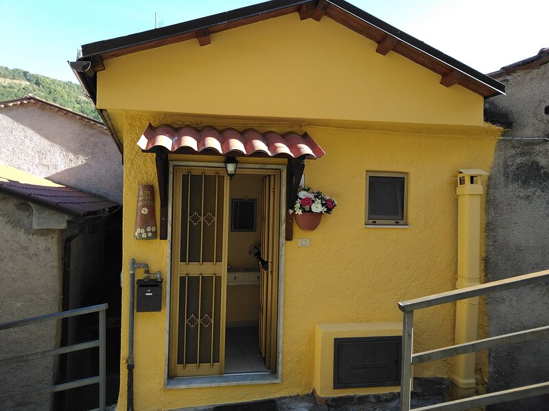 Casa Vacanze Margherita a Sasso di Castalda, tra boschi e monti della Basilicata, vakantiewoning in Brienza
