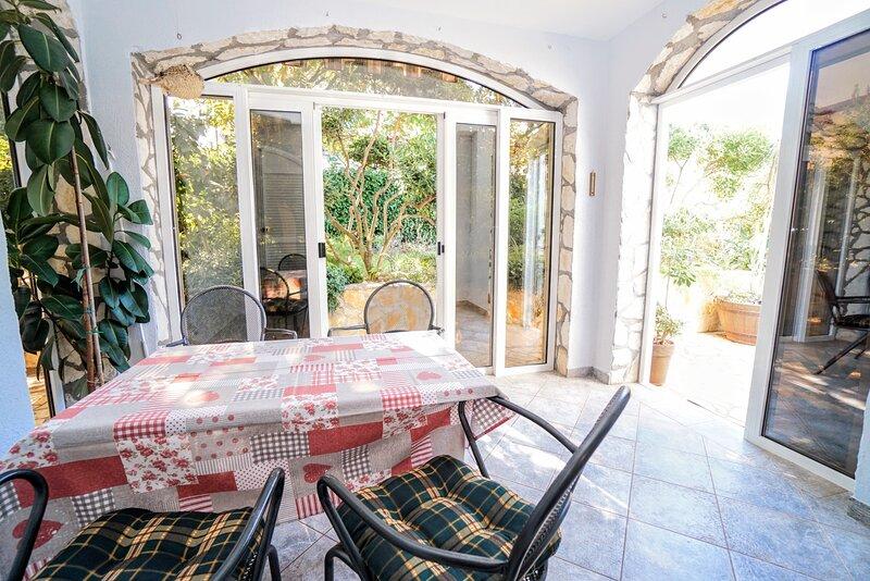 Apartment Daniel Zambrattia, holiday rental in Zambratija
