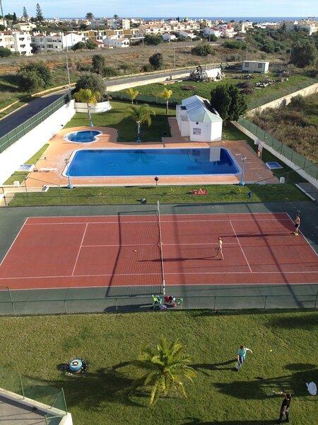 Pool / Tennis
