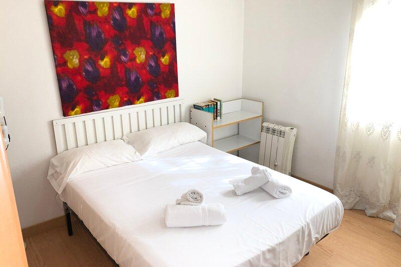 NEW! Cozy apartment in Hospitalet near Fira Gran Via, vacation rental in Cornella de Llobregat