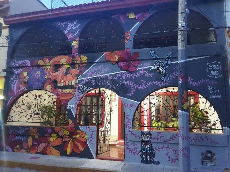 SugarSkullSuites~BedBreakfast&Beach~Pool~Bikes~Downtown location!, holiday rental in Isla Mujeres