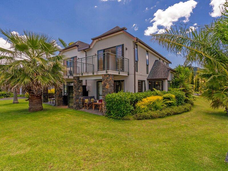 Villa 51 - Pauanui Holiday Home, Pauanui, vacation rental in Thames