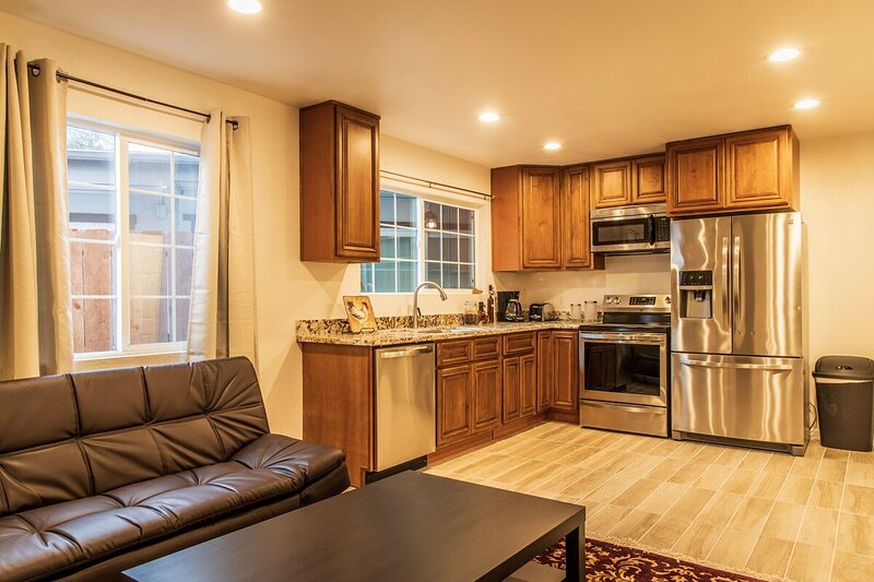 Spacious Four Bedroom In Concord, holiday rental in Concord