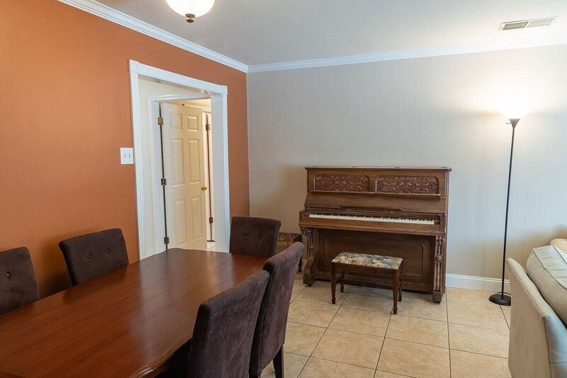 ★ Charming 3-Bedroom in East Palo Alto ★, vacation rental in East Palo Alto