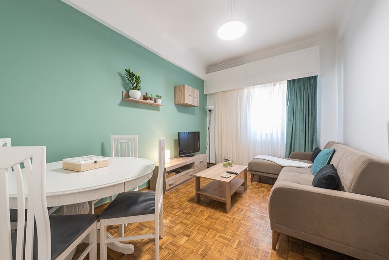 Earthy Green House, holiday rental in Kallithea