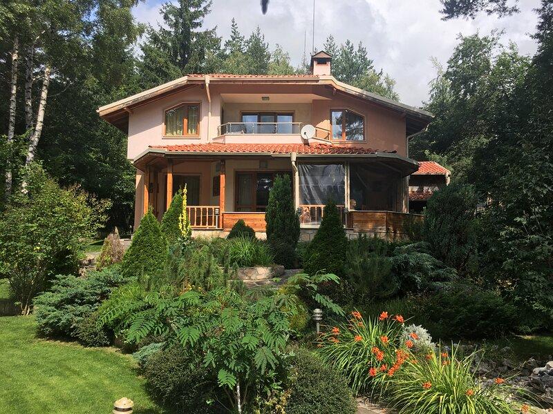Luxury Villa Borina, holiday rental in Sapareva Banya
