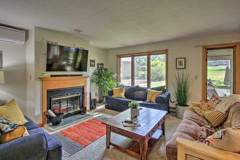 NEW! Bright Getaway w/ Lake Access - Near Gunstock, vacation rental in Belmont