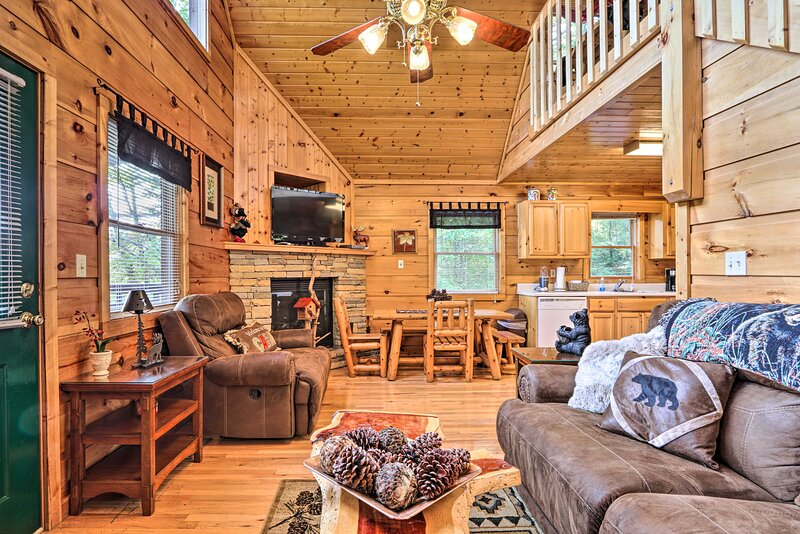Sevierville Vacation Rental | 2BR | 3.5BA | 1,700 Sq Ft | Stairs Required