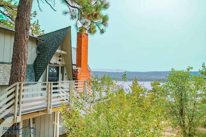 Big Bear Amazing Lakeview, alquiler de vacaciones en Fawnskin