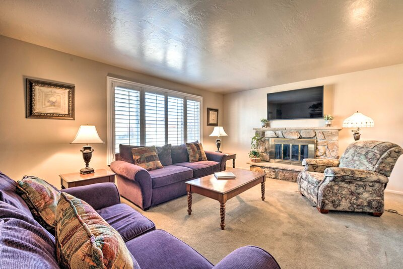 This 3-bedroom, 2-bath vacation rental is located in Taylorsville.