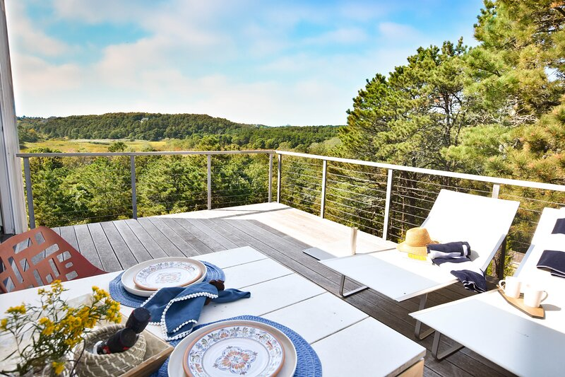 212 Secluded Location Expansive Views on every Floor Theater Room and Wet Bar, alquiler de vacaciones en Truro
