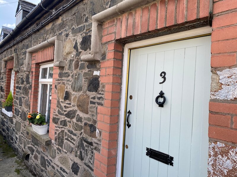 Arthur Street Guest Cottage (Sister Cottage Number 3), vacation rental in Banbridge