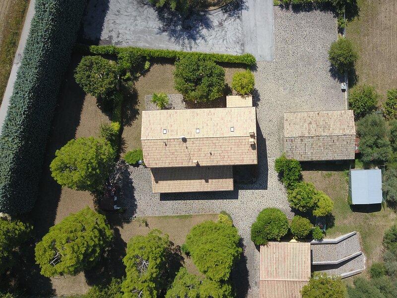 Villa Lepretti Near Conero Riviera, Marche, vacation rental in Polverigi