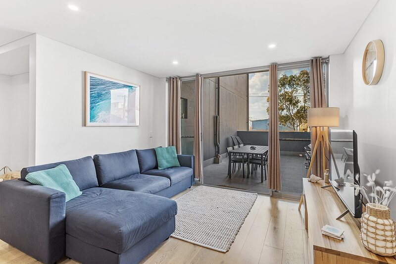 The Shoal Apartments, Unit 108/4-8 Bullecourt Street, holiday rental in Shoal Bay