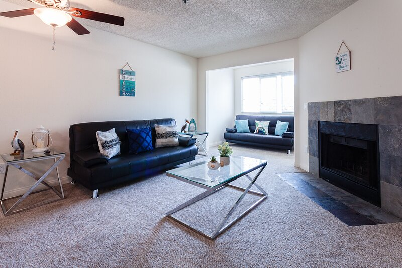 Luxury 1BR with View 5 mins Drive to Beach+Pool, vacation rental in Cardiff-by-the-Sea