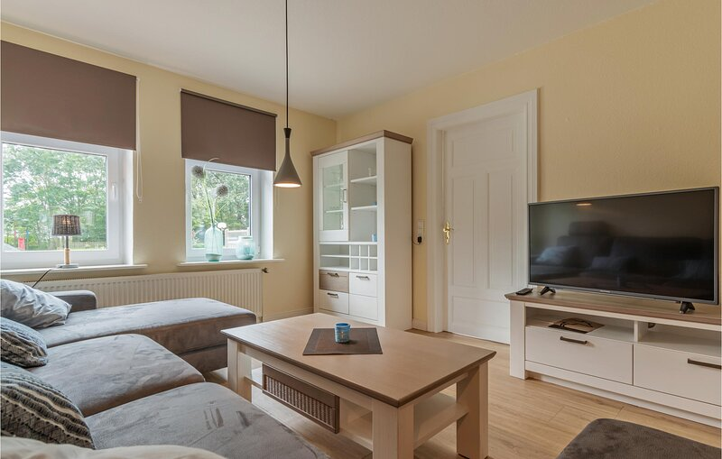 Nice home in Ockholm with WiFi and 3 Bedrooms (DSH840), vakantiewoning in Breklum