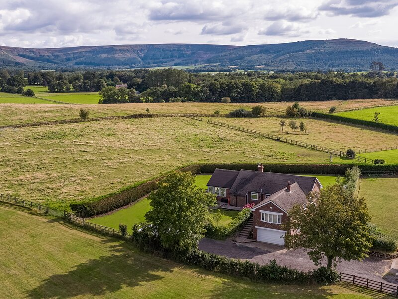 The Lodge, Ingleby Greenhow, holiday rental in Potto
