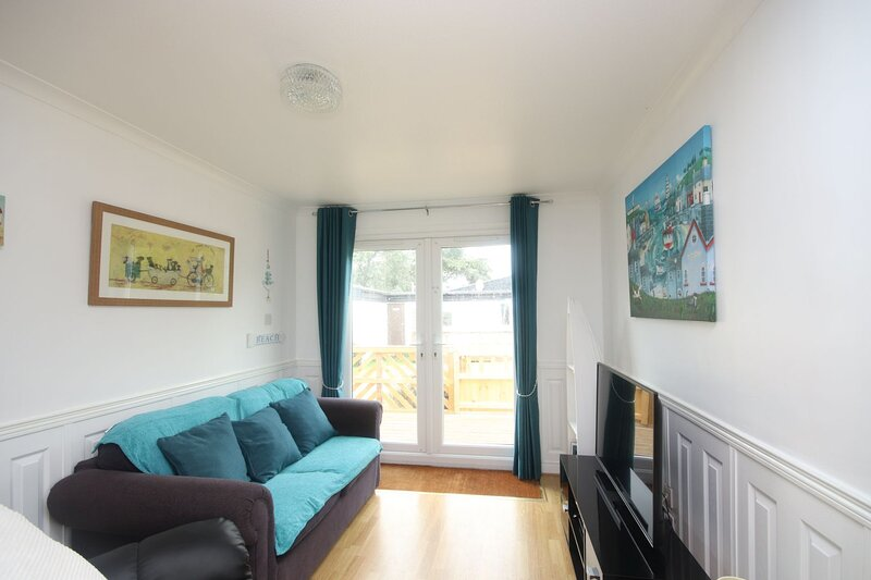 7C Medmerry Park, holiday rental in Earnley