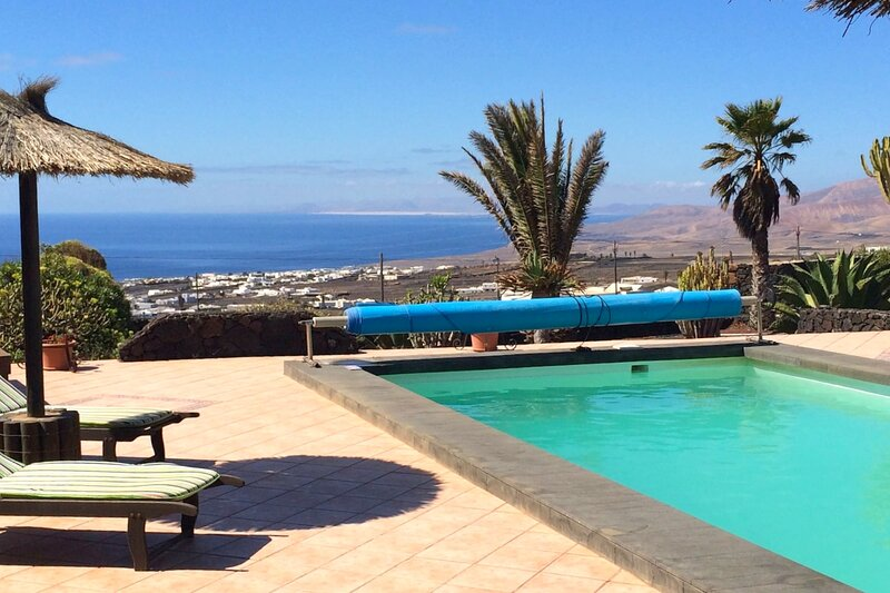 Holiday cottage Casa Yuno in La Asomada, holiday rental in Conil