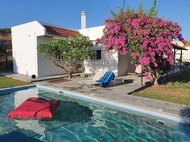Fabulous villa with large private pool for a great escape to southern Rhodes, holiday rental in Laerma