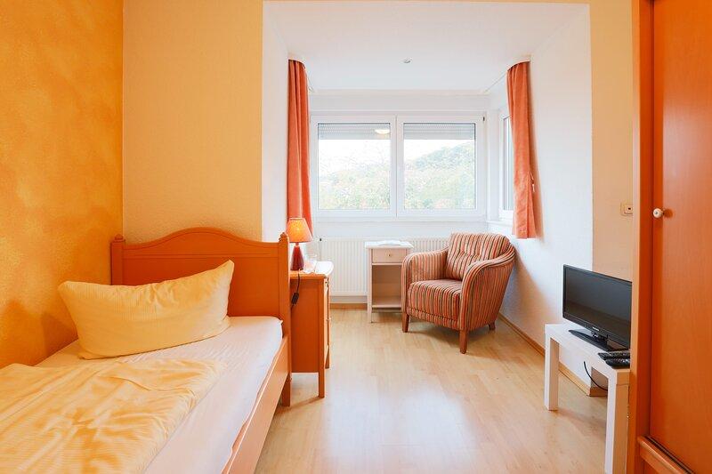 Gemütliches Einzelzimmer, holiday rental in Stangerode