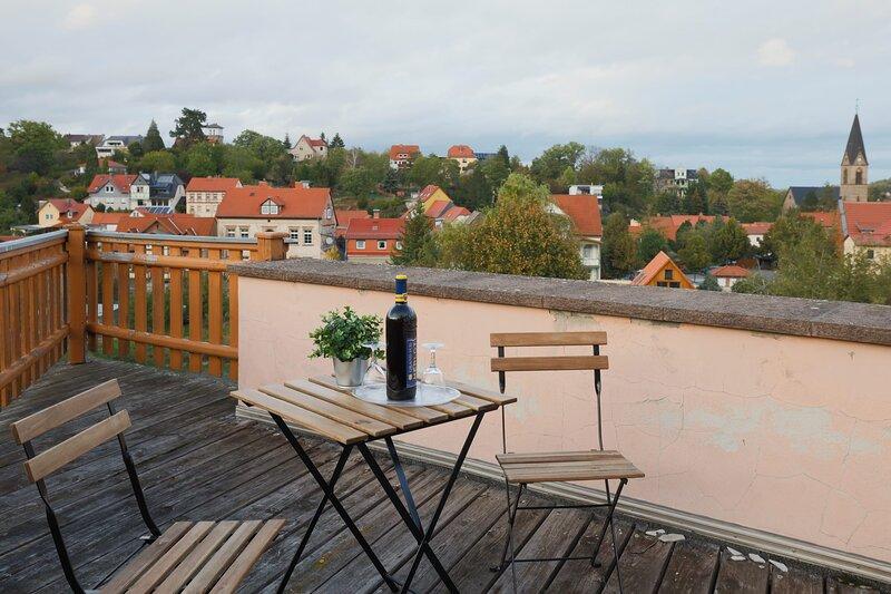Gemütliches Doppelzimmer mit Balkon, holiday rental in Harzgerode
