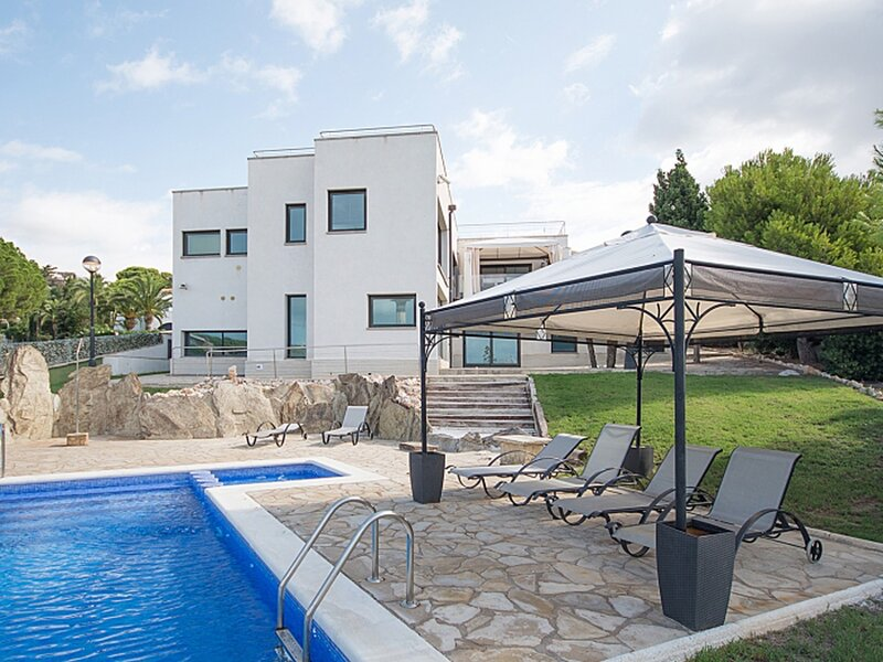 Villa La Luminosa 50m from the beach, vacation rental in Torredembarra