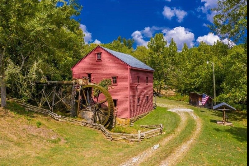 1798 Grist Mill and Cabin on Dumplin Creek, holiday rental in Dandridge