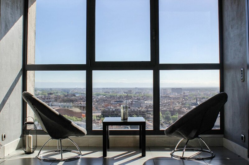 Le 19 - Penthouse de luxe avec Petit-dejeuner, casa vacanza a Tolosa