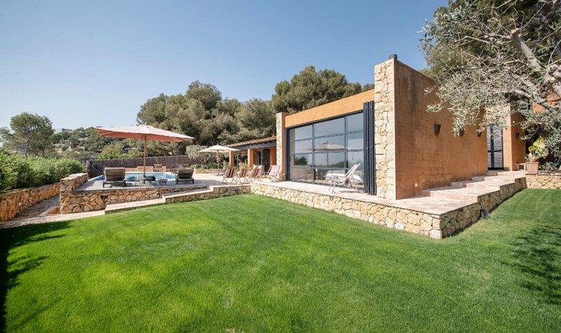 Villa Amanecer - Costa Dorada Luxury, holiday rental in La Riera de Gaia
