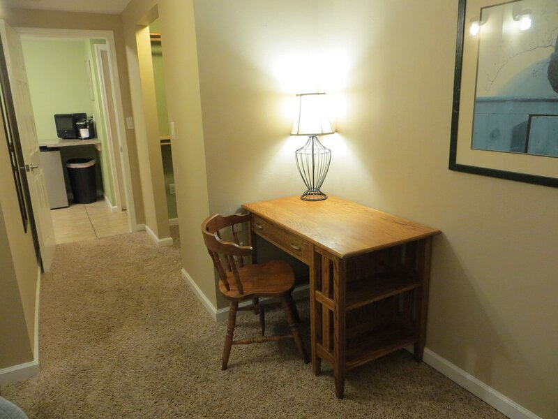 Quiet, Clean, Cozy, Convenient Apartment, vacation rental in West Monroe