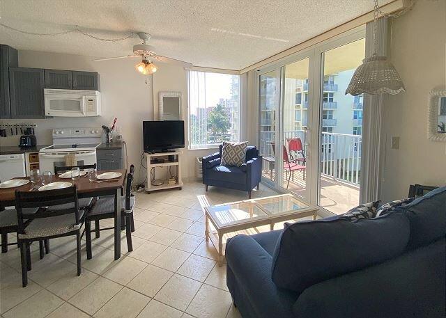 Estero Beach & Tennis Club #302B, holiday rental in Fort Myers Beach