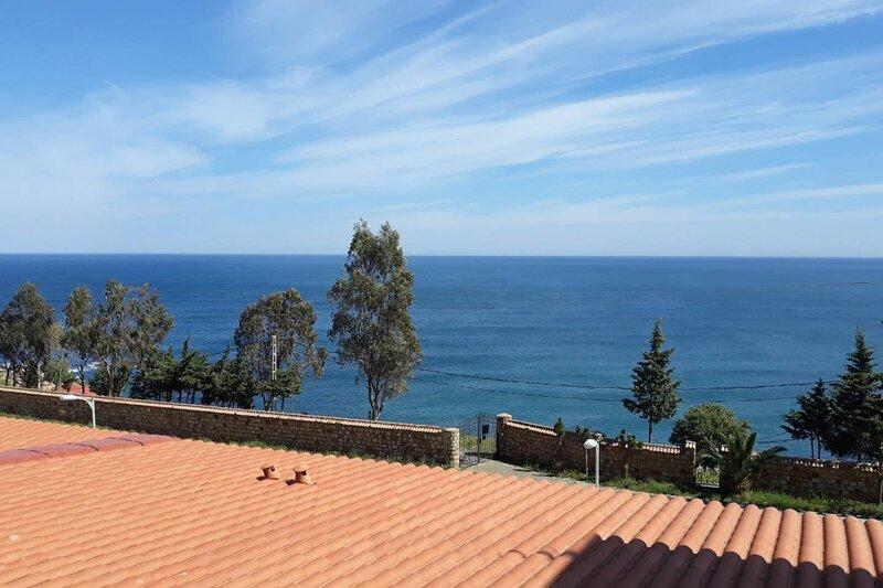 Résidence le Belvédère un superbe T3 face à la mer, alquiler vacacional en Argelia