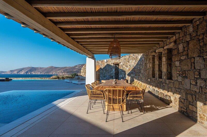 Mykonos Villa Sleeps 22 with Pool and Air Con - 5870227, holiday rental in Agios Sostis