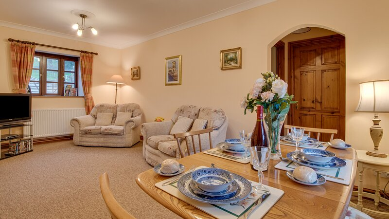 Pyrford Cottage, holiday rental in Chardstock