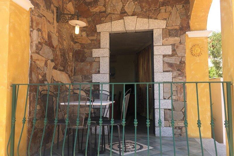 Appartamento San Teodoro I con BBQ, A/C e WIFI, vacation rental in Suaredda-Traversa