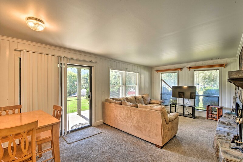NEW! Serene Sky Valley Condo: Hike, Fish, Golf, holiday rental in Sky Valley